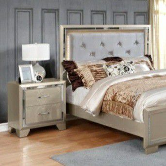 New SPECIAL] Bianca Metallic Gold Queen/King Bedroom Set | B590