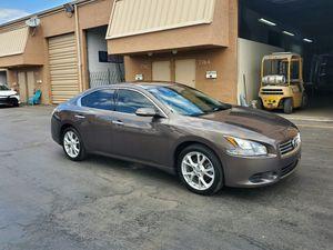 Nissan máxima 2014 for Sale in Miami, FL