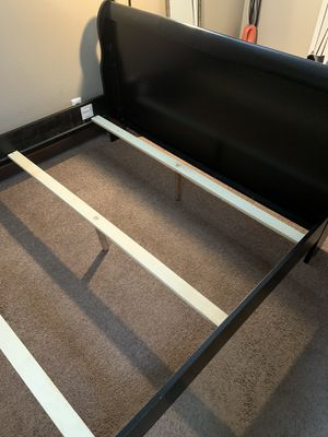 Queen size bed frame for Sale in Reno, NV