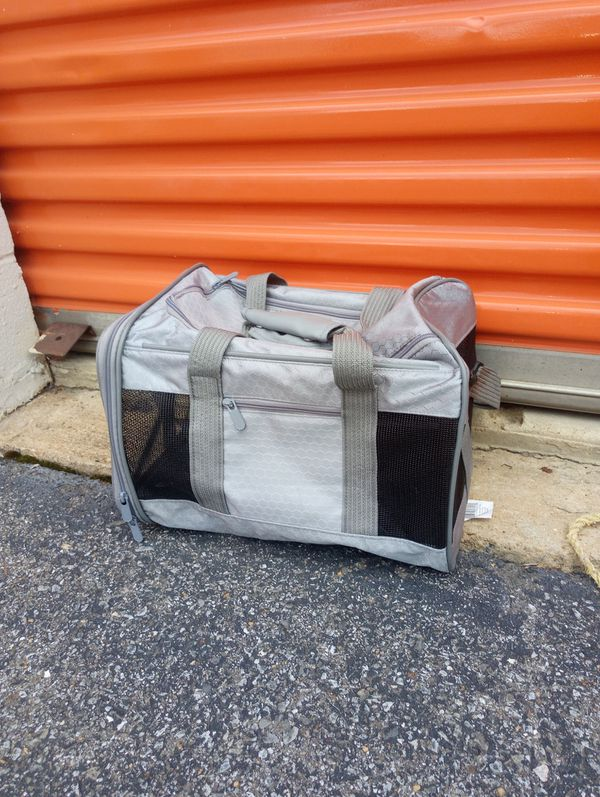 x small pet Carrier