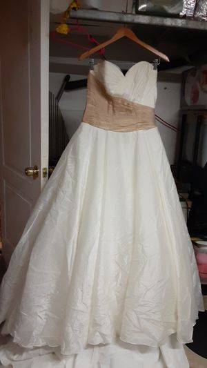 Wedding or prom dress like new for Sale in Lehigh Acres, FL