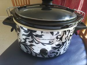 Free Crock Pot for Sale in Raleigh, NC