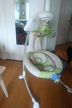 Fisher Price Rainforest Deluxe Cradle and Swing for Sale in Seattle, WA
