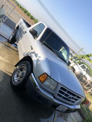 2002 ford ranger xlt for Sale in Strathmore, CA