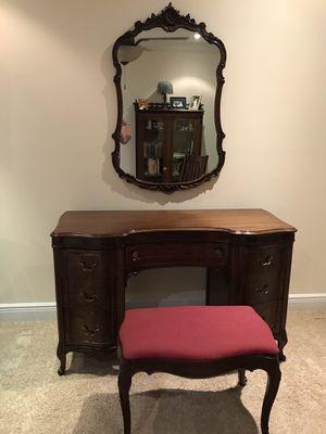 Collectible desk / vanity for Sale in Orlando, FL