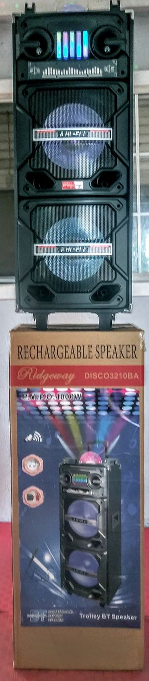 Ridgeway PORTABLE SPEAKER BLUETOOTH FMRadio KARAOKE USB TFCARD Control Remote 🎤 microphone Inc (4000W) batterie rechargeable for Sale in Moreno Valley, CA
