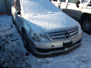 Selling Parts for a 2006 Mercedes R Class R350 for Sale in Warren, MI
