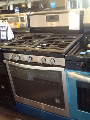 New open box Whirlpool gas range- WFG540H0ES for Sale in Downey, CA