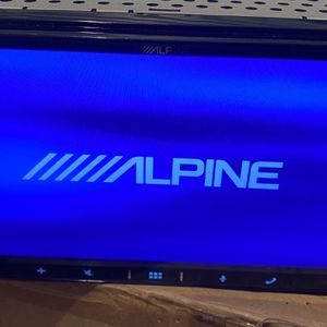 Alpine Double Din With Apple CarPlay And Bluetooth Music for Sale in Rockville, MD