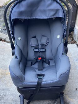 Nunca Car Seat And Base for Sale in Cypress,  TX