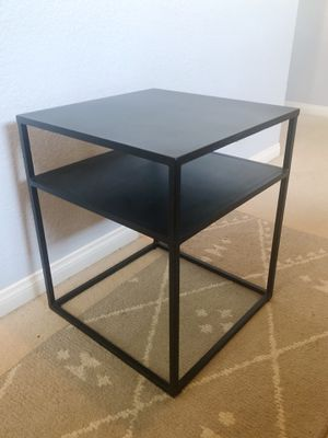 Like New! Side Table for Sale in Escondido, CA