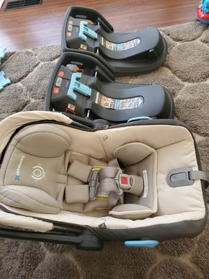 Uppababy mesa infant car seat and base for Sale in Marietta, GA