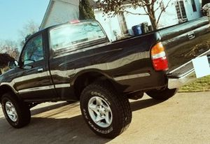 Truck has a clean with no accidents TOYOTA TACOMA 2001 for Sale in Baltimore, MD