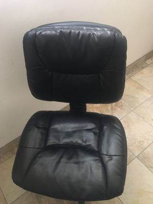 Pleather armless computer chair for Sale in San Diego, CA