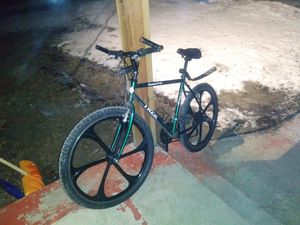 Trek 800 sport Mountain Track . MINT CONDITION for Sale in Anoka, MN