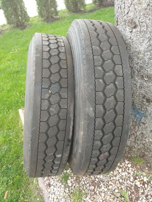 Tires 280/75R24.5 for Sale in Des Plaines, IL