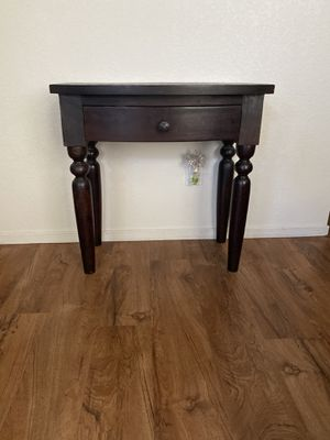 Entry/end table for Sale in Visalia, CA