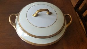 LIMOGES Vintage Procelain Tureen for Sale in Vancouver, WA