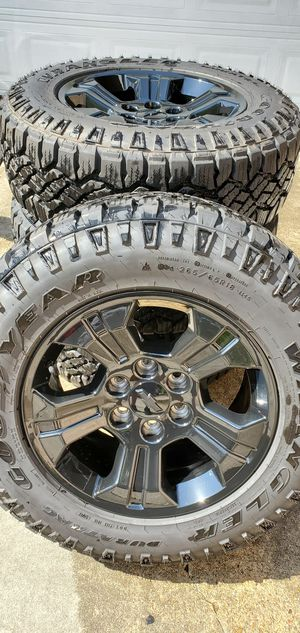 "18"" Chevy Silverado Z71 Midnight Edition Wheels And Tires for Sale in Atascocita, TX"