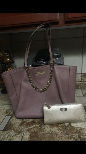 Beautiful Michael Kors purse and wallet for Sale in Avondale, AZ