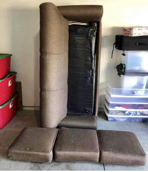Hidabed couch. Good condition for Sale in Bend, OR