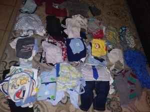 Ropa de bebé de 0 a 3 meses en muy buen estado son 60 piesas todo por 10 dolares for Sale in Corona, CA