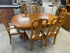 7pc dinning Table w/ leaf for Sale in San Jacinto, CA