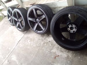 22 inch wheels 5 lug for Sale in Tampa, FL