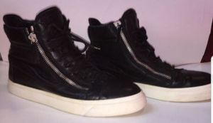Giuseppe Zanotti Black Zip Sneakers Authentic for Sale in Queens, NY