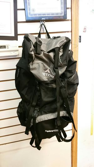 Teton explorer 4000 hiking bag for Sale in Yorkville, IL