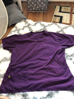 Wonder wink women's scrub top for Sale in Sully Station, VA