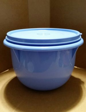 Tupperware Small Mixing Bowl for Sale in Gervais, OR