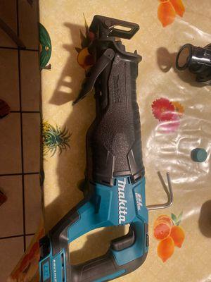 Makita 18 volts Saw for Sale in San Jose, CA