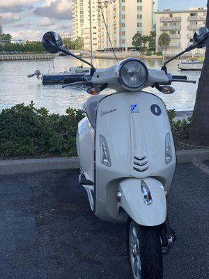 Vespa Primavera 50cc for Sale in Miami, FL