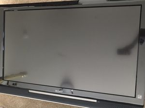 Sony Bravia tv and wall mount! for Sale in Pittsburgh, PA