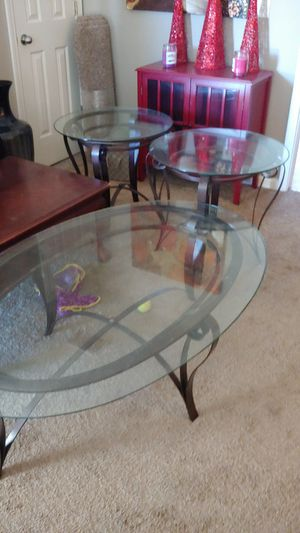 Coffee table and 2 matching end tables for Sale in Murfreesboro, TN