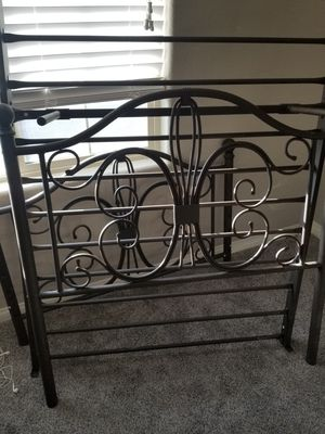 Vintage Twin metal bed frame for Sale in Las Vegas, NV