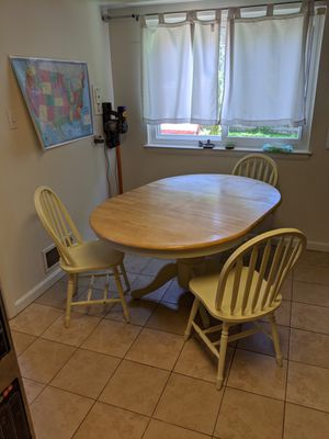 Kitchen table and 3 chairs for Sale in Rockville, MD