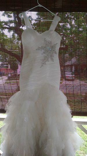 Elegant Wedding Dress Size 12 for Sale in San Antonio, TX