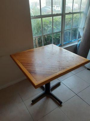 Kitchen table $15 for Sale in Pompano Beach, FL
