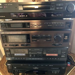 Stereo System With 4 Speakers for Sale in Port St. Lucie, FL