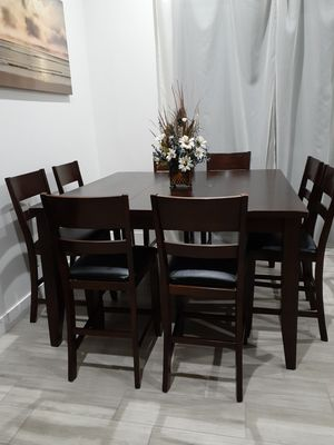 Dining Room Table with 8 Chairs. Comedor for Sale in Sun City, AZ