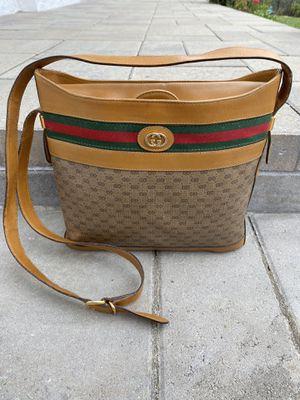 Gucci vintage crossbody bag for Sale in Glendale, CA