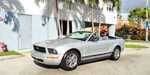 2005 Ford Mustang Convertible!! for Sale in Miami, FL