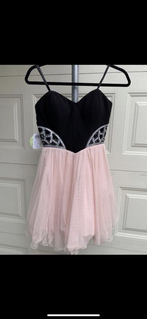 Size 3, Windsor Junior Formal Dress, wedding party dress, Christmas Party Dress for Sale in Lakewood, CA