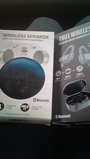 Wireless speaker and earbuds with charging case for Sale in Queens, NY