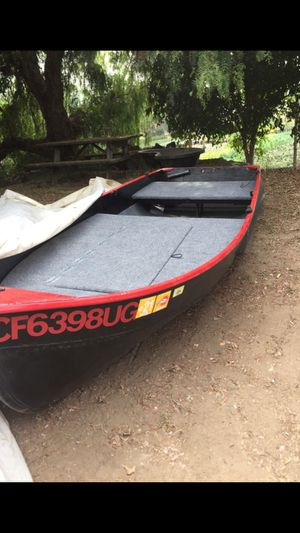 12 ft vhull jon boat (bass boat) for Sale in San Marcos, CA