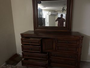 Tommy Bahama bedroom set with sleigh bed for Sale in Fort Myers, FL