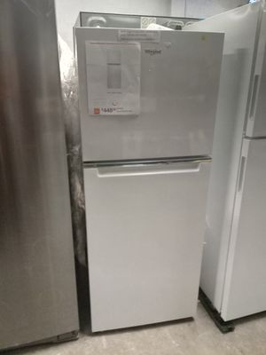 NEW SCRATCH AND DENT WHIRLPOOL TOP FREEZER FRIDGE 24 IN W/6 MONTHS WARRANTY for Sale in Baltimore, MD