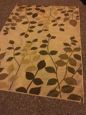 5x7 area rug only 35 Firm for Sale in Severn, MD